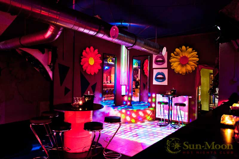 sunmoon bar swingerclub sunmoon. Black Bedroom Furniture Sets. Home Design Ideas